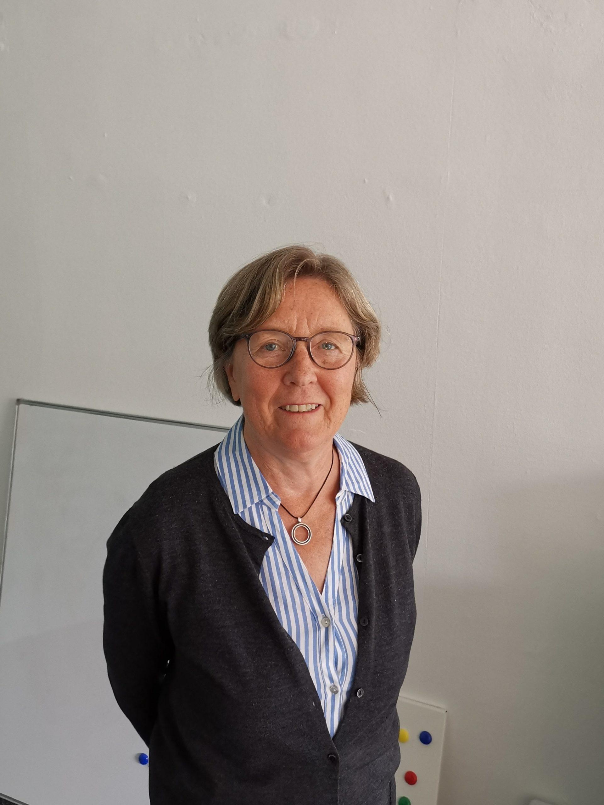 Angela Hinzen